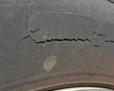 cracked_tyre-858x338w