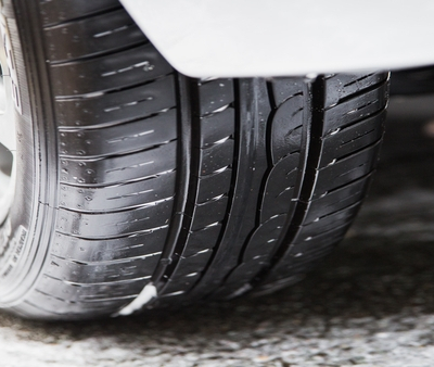 How to tell if your car needs new tyres